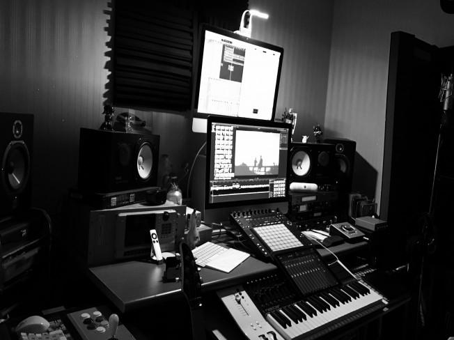 • 로직프로• 큐베이스• 누엔도 • 작사 • 작곡 • 편곡 등 온라인 레슨해 드립니다