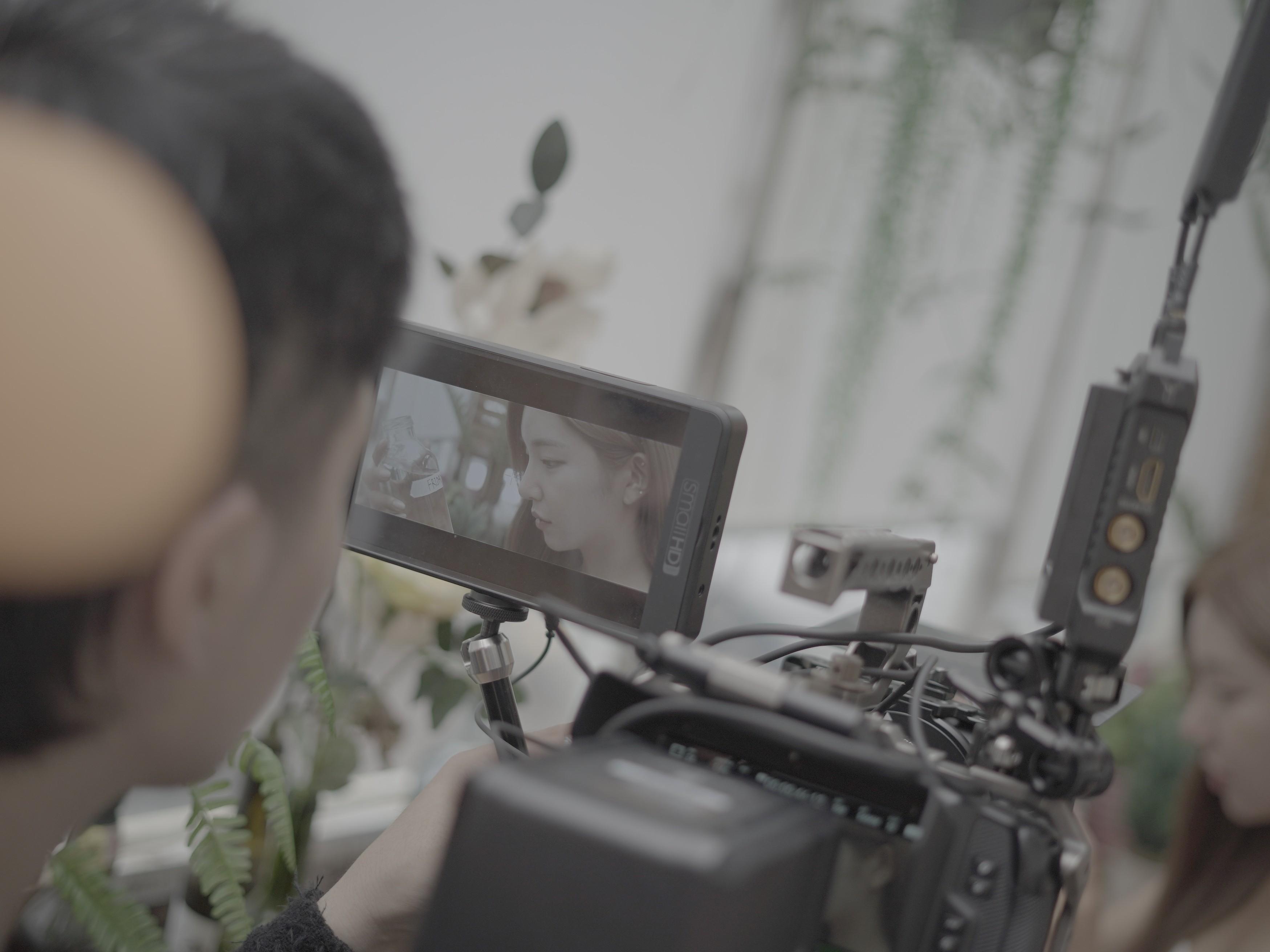 영상제작 및 후반 편집과 색보정 드립니다.