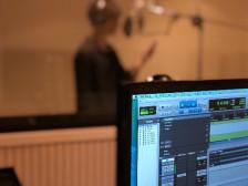 쉽고 재밌는 보컬레슨 & 레코딩 (목소리가 멋지게 바뀌는 신기한 경험!)드립니다.