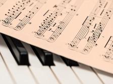 원하시는 노래를 몽환적인, 오르골 같은 음악으로 바꾸어드립니다.