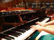 (강동구 명일동 )피아노 어렵지않아요!!원데이클래스원하는곡하루만에완성해드립니다.