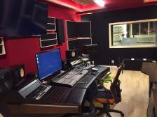 성우,노래 등 다양한 녹음 작업을 깔끔하게 처리해드립니다.