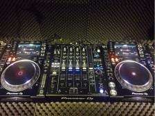 DJing을 전문적으로 배워서 실제 DJ가 될 수 있도록 도와드립니다.