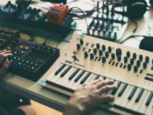 제대로 된 게임 효과음 / BGM이 필요하시다면? 경험 많은 사운드 디렉터가 작업해드립니다.