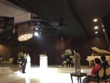 결혼식 축가도 무대다! (노래,무대연출) 만족스럽게 부르고 멋지게 만들어드립니다.