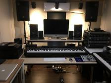 방배동에 위치한 음반제작스튜디오에서 저렴한 금액으로 음원 보정, 믹싱, 마스터링해드립니다.