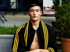 외국인모델 D.Y 입니다.사진 포토 영상 촬영 뷰티 화장품 패션 의류 쇼핑몰 광고모델해드립니다.