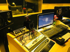 MSL 프리미엄 스튜디오에서 믹싱/마스터링/음악편집&제작을 해드립니다.