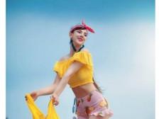 외국인 모델 안나가 홍보에 적합한 모델해드립니다.
