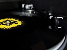 힙합 비트 메이킹부터 랩 레코딩 믹스 마스터링과 음원발매까지해드립니다.